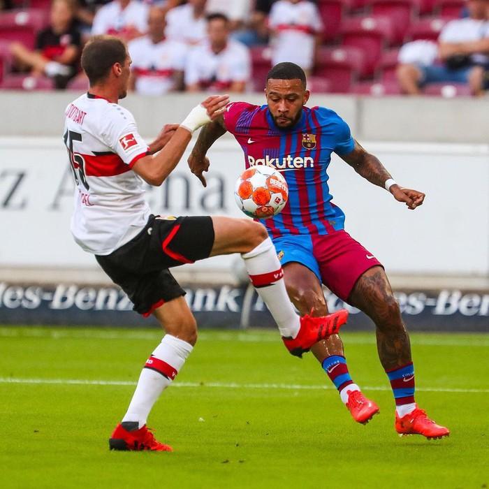 Depay xử lý đẳng cấp, ghi 2 bàn trong 2 trận đầu tiên ở Barcelona - Ảnh 2.