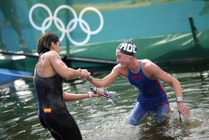 Ảnh Olympic Tokyo 2020: Sự tử tế, lòng đồng cảm tạo nên kỳ Thế vận hội đầy nhân văn - Ảnh 12.