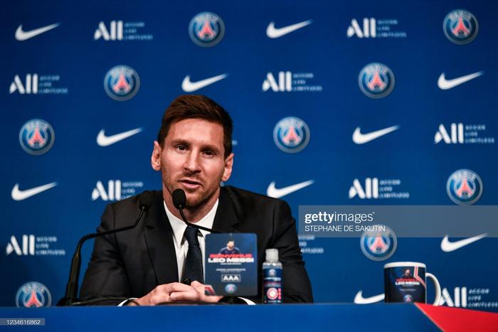 Messi nói gì trong buổi họp báo ra mắt Paris Saint-Germain? - Ảnh 2.