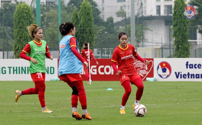 """Tuyển nữ Việt Nam vất vả tìm """"quân xanh"""" chuẩn bị cho vòng loại Asian Cup 2022 - Ảnh 1."""