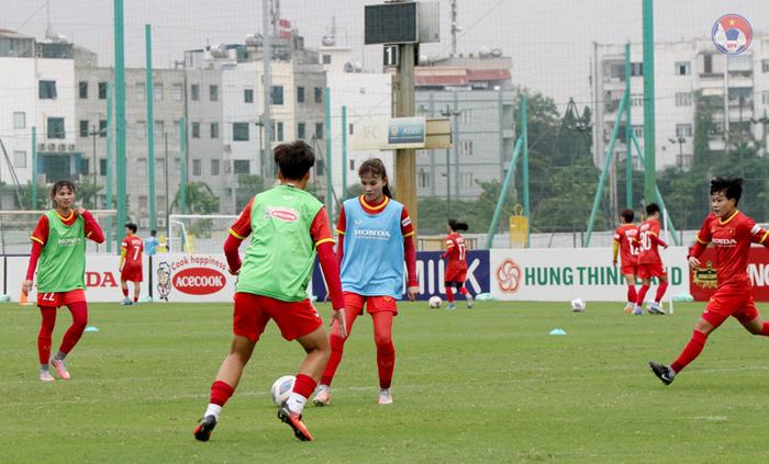 """Tuyển nữ Việt Nam vất vả tìm """"quân xanh"""" chuẩn bị cho vòng loại Asian Cup 2022 - Ảnh 3."""