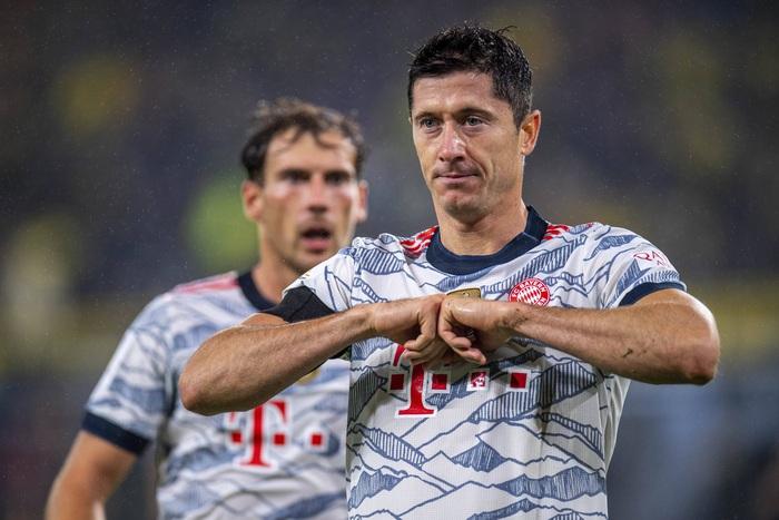 Destroying Dortmund, Bayern Munich raised the German Super Cup title - Photo 2.