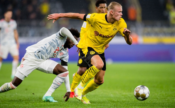 Destroying Dortmund, Bayern Munich raised the title of the German Super Cup - Photo 4.
