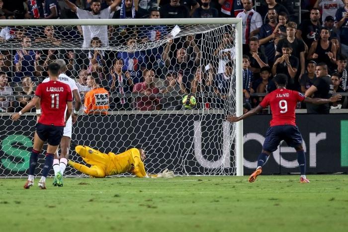 """Lille 0-1 PSG: """"Gã nhà giàu"""" tỏ ra yếu đuối trước đương kim quán quân Ligue 1 - Ảnh 2."""