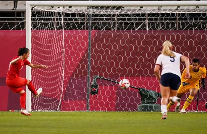 VAR vào cuộc, nữ Canada nhọc nhằn vượt qua Mỹ với tỷ số tối thiểu 1-0 để giành vé vào chơi trận chung kết - Ảnh 5.
