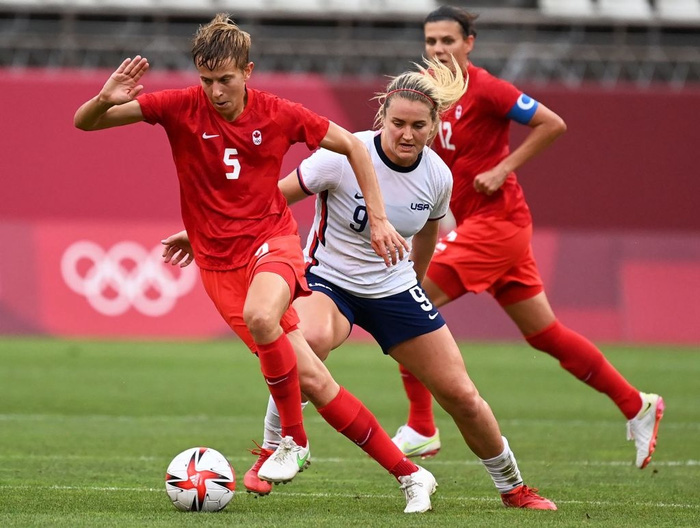 VAR vào cuộc, nữ Canada nhọc nhằn vượt qua Mỹ với tỷ số tối thiểu 1-0 để giành vé vào chơi trận chung kết - Ảnh 2.