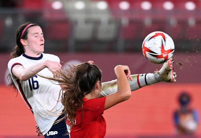 VAR vào cuộc, nữ Canada nhọc nhằn vượt qua Mỹ với tỷ số tối thiểu 1-0 để giành vé vào chơi trận chung kết - Ảnh 1.
