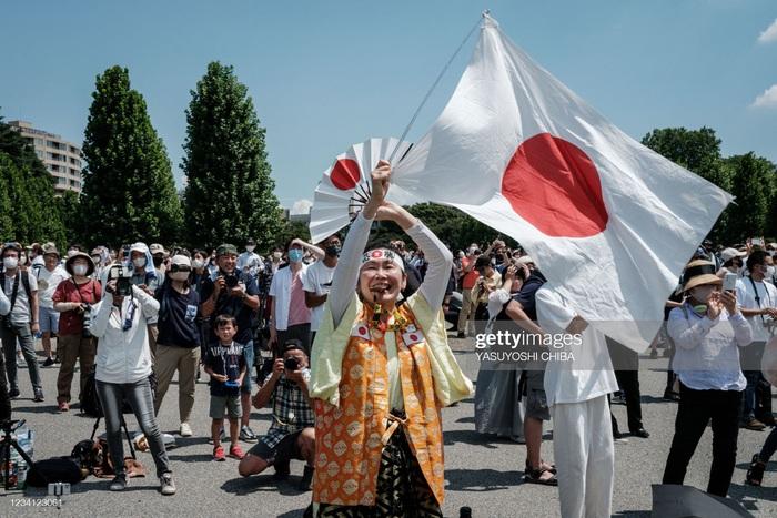 Siêu fan Nhật Bản 30 năm dự không sót kỳ Olympic nào, quyết tâm biến nhà thành nhà thi đấu - Ảnh 2.