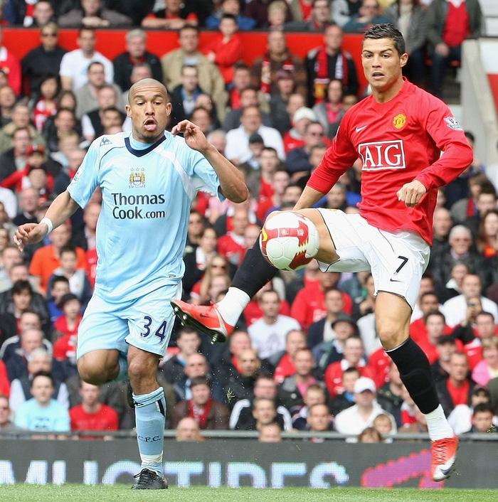 Fan MU căm hận, đòi tẩy chay Ronaldo vì sắp chuyển sang đá cho Man City - Ảnh 1.