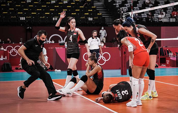 Nữ VĐV Olympic như ăn trầu khi mừng chiến thắng, nguyên nhân đằng sau khiến người xem bủn rủn chân tay - Ảnh 4.