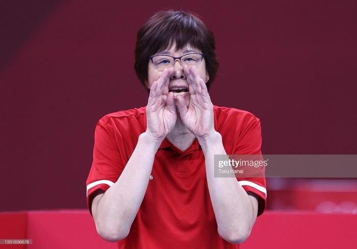 VĐV Trung Quốc khóc như mưa, cúi rạp người chia tay HLV huyền thoại ở Olympic Tokyo 2020 - Ảnh 10.