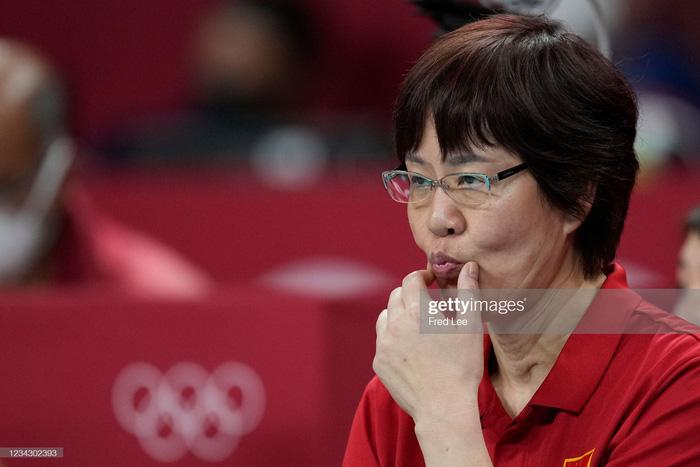 VĐV Trung Quốc khóc như mưa, cúi rạp người chia tay HLV huyền thoại ở Olympic Tokyo 2020 - Ảnh 11.