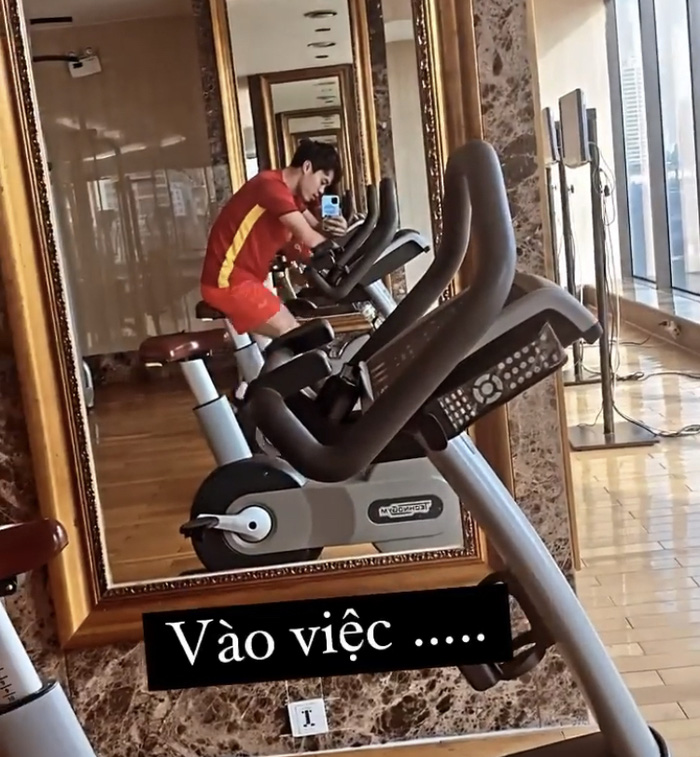 """Tân binh tuyển Việt Nam vui mừng vì được ở cùng phòng với """"Idol"""", Tiến Linh sẵn sàng hội quân ở Hà Nội - Ảnh 2."""