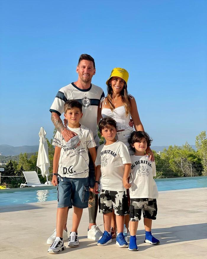 Bà xã nhà Messi ngày càng trở nên nóng bỏng thế này, bảo sao đến bạn gái Ronaldo cũng phải thả tim lia lịa - Ảnh 6.