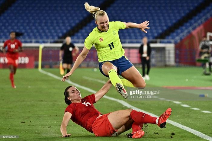 Đá hỏng liên tiếp 3 quả luân lưu, Canada vẫn vô địch bóng đá nữ Olympic 2020 - Ảnh 7.
