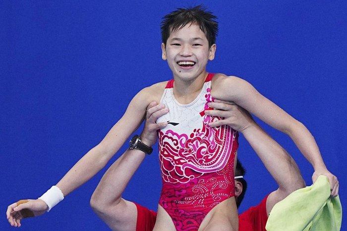 Cộng đồng mạng Trung Quốc phẫn nộ trước bài đăng của báo Úc về nhà vô địch Olympic 14 tuổi - Ảnh 2.