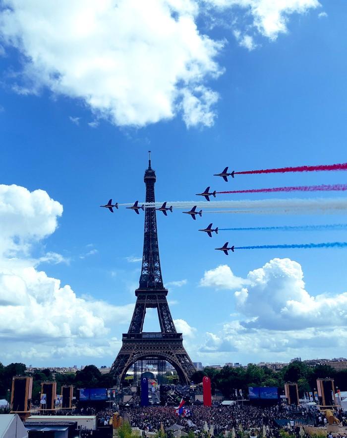 Ảnh: Pháp đón đăng cai Olympic 2024 hoành tráng trước Tháp Eiffel - Ảnh 6.