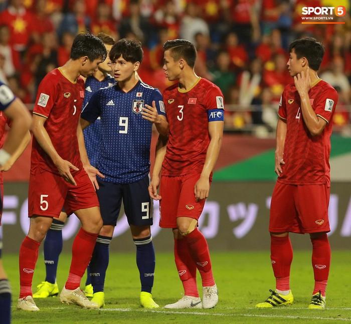 Thiếu Minamino, tuyển Nhật Bản vẫn rộng cửa thắng tuyển Oman - Ảnh 1.