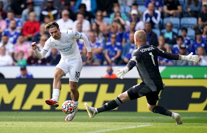 Đồng đội trên tuyển của Ronaldo tỏa sáng giúp Man City vượt ải Leicester  - Ảnh 10.