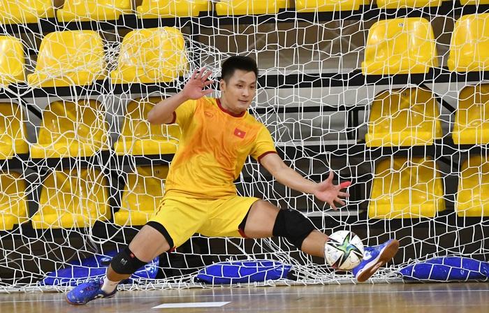 Bốc profile 16 cầu thủ futsal Việt Nam được đăng ký tại World Cup - Ảnh 1.