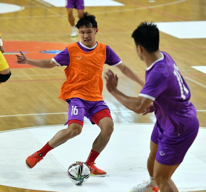 Bốc profile 16 cầu thủ futsal Việt Nam được đăng ký tại World Cup - Ảnh 14.