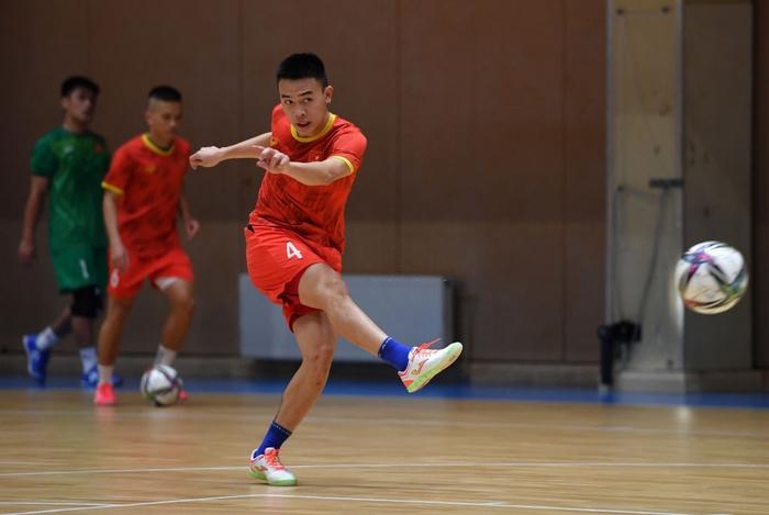 Bốc profile 16 cầu thủ futsal Việt Nam được đăng ký tại World Cup - Ảnh 4.