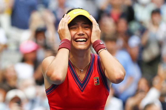 Nữ tay vợt tuổi teen xinh đẹp vô địch US Open, ẵm khoản tiền thưởng cực khủng - Ảnh 2.