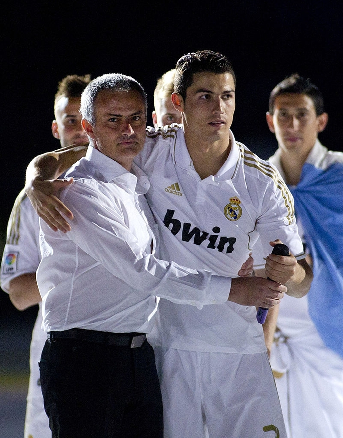 Mourinho cùng Ronaldo vô địch La Liga 2011/12