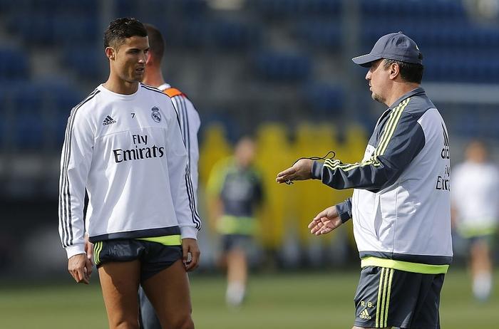 Rafa Benitez phải rời khỏi Real Madrid chỉ trong 7 tháng ngắn ngủi