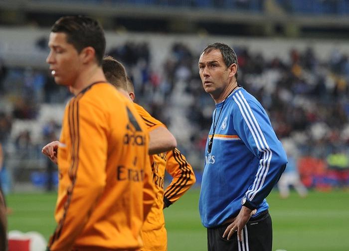 Trợ lý Paul Clement (áo xanh) từng làm việc với CR7 tại Real Madrid