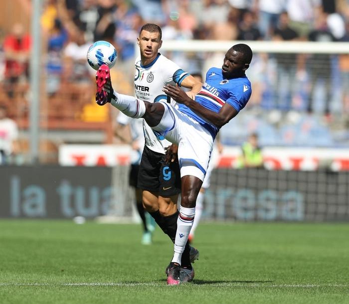 Công làm thủ phá, Inter Milan bất lực để Sampdoria cầm chân với tỷ số 2-2 sau 90 phút - Ảnh 1.