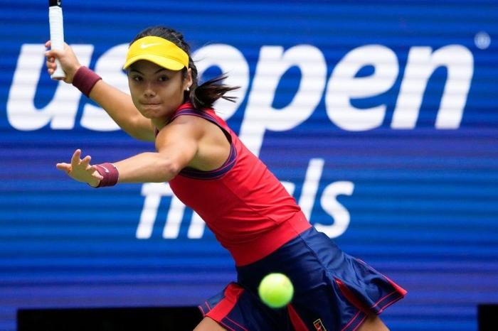 Nữ tay vợt tuổi teen xinh đẹp vô địch US Open, ẵm khoản tiền thưởng cực khủng - Ảnh 4.