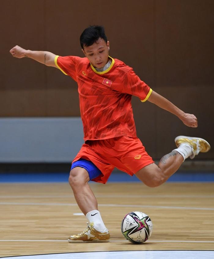 Bốc profile 16 cầu thủ futsal Việt Nam được đăng ký tại World Cup - Ảnh 8.