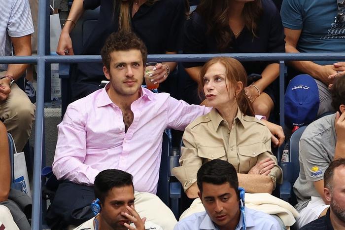 Hoa khôi Sharapova và dàn sao hạng A Hollywood chứng kiến Djokovic bật khóc, gục ngã trước ngưỡng cửa thiên đường - Ảnh 12.