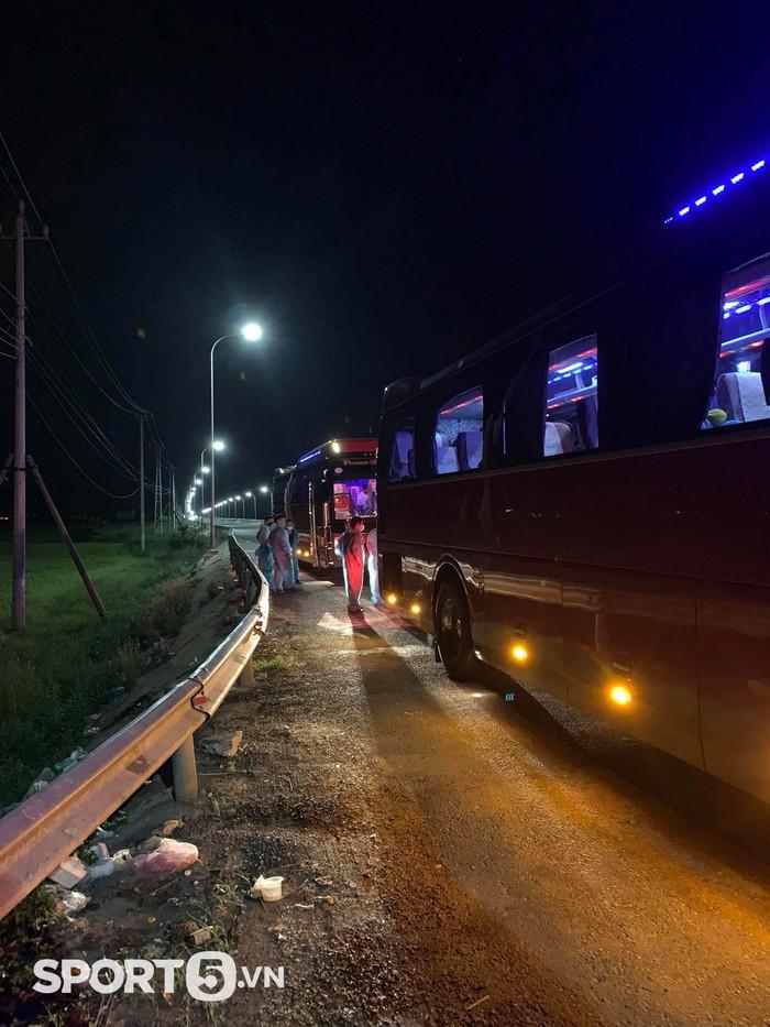 Hồi kết của VBA 2021: Gian nan và thử thách trên những chuyến xe xuyên Việt trở về nhà - Ảnh 9.