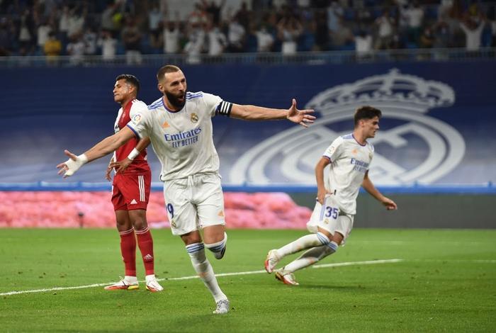 Real Madrid lên đỉnh BXH La Liga trong ngày trở lại Santiago Bernabeu sau 18 tháng - Ảnh 3.