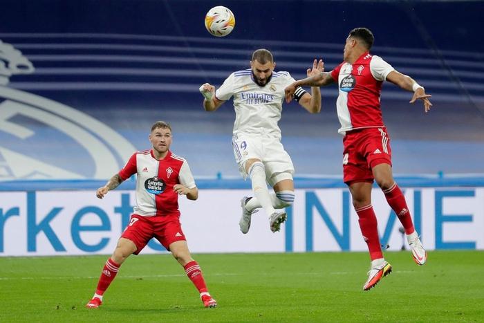 Real Madrid lên đỉnh BXH La Liga trong ngày trở lại Santiago Bernabeu sau 18 tháng - Ảnh 6.