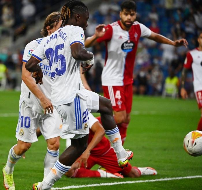Real Madrid lên đỉnh BXH La Liga trong ngày trở lại Santiago Bernabeu sau 18 tháng - Ảnh 8.