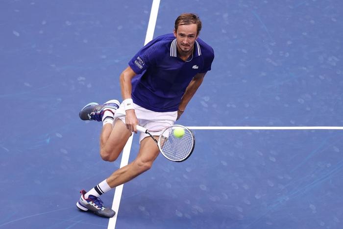 Sốc! Djokovic thua trắng 3 set ở chung kết US Open, bỏ lỡ thời cơ vàng vượt Federer và Nadal - Ảnh 7.