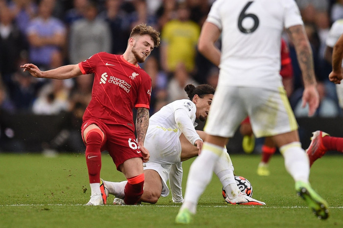 Tài năng trẻ sáng giá của Liverpool dính chấn thương kinh dị, đến truyền hình cũng không dám phát chậm lại - Ảnh 2.
