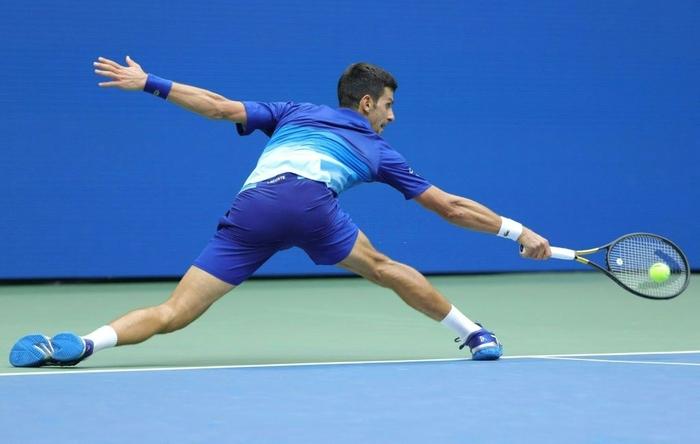 Sốc! Djokovic thua trắng 3 set ở chung kết US Open, bỏ lỡ thời cơ vàng vượt Federer và Nadal - Ảnh 6.