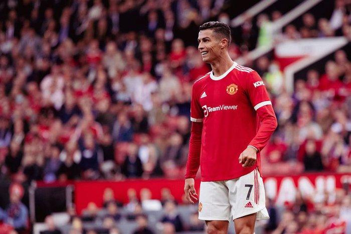 Ronaldo sẽ kiếm thêm bộn tiền nếu giúp MU vô địch - ảnh 1