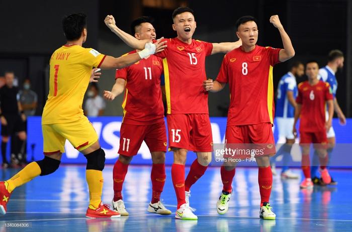 HLV trưởng ĐT futsal Việt Nam lạc quan sau trận thua Brazil: Ghi bàn đã là 1 hạnh phúc - ảnh 1