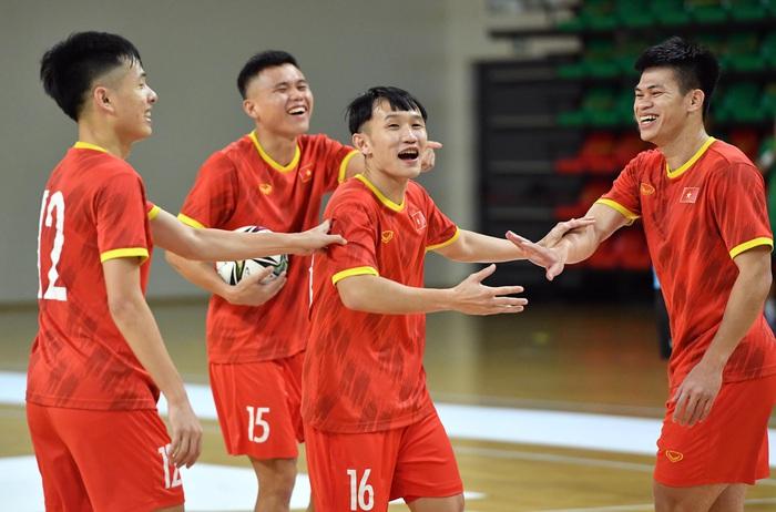 Đội tuyển futsal Việt Nam thả lỏng và hồi phục thể trạng trước trận Panama - Ảnh 4.