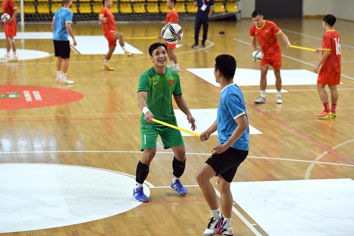 Đội tuyển futsal Việt Nam thả lỏng và hồi phục thể trạng trước trận Panama - Ảnh 3.