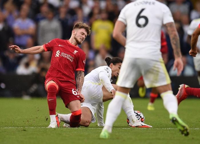 Kháng cáo bất thành, cầu thủ Leeds bị cấm thi đấu 3 trận sau khi khiến Eliiot chấn thương nặng - Ảnh 1.