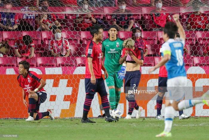 Cerezo Osaka bị loại khỏi AFC Champions League, mùa giải 2021 sẽ kết thúc với Văn Lâm nếu phải mổ - Ảnh 1.