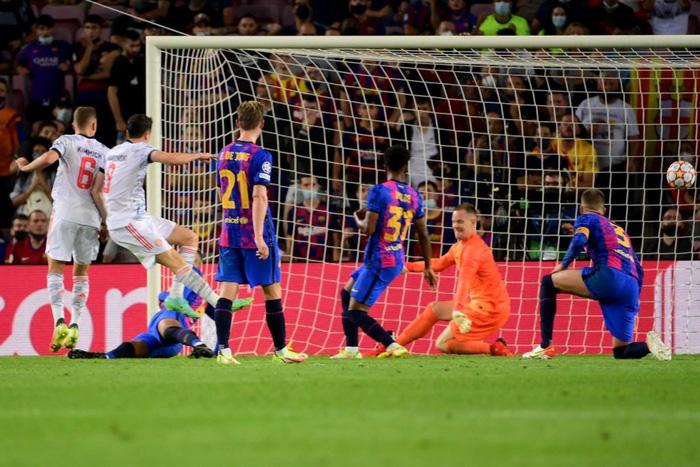 Barca thảm bại trước Bayern ngay tại Camp Nou - Ảnh 8.