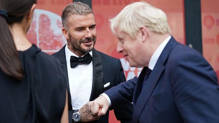 David Beckham đẹp xuất thần khi cùng mẹ đến dự lễ trao giải, nhưng điều gây chú ý nhất lại là dấu vết bí ẩn trên sống mũi - Ảnh 6.