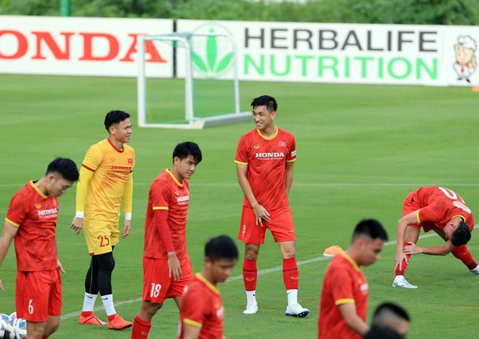 Công Phượng cực vui trong buổi tập đầu tiên cùng tuyển Việt Nam ở vòng loại 3 World Cup 2022 - Ảnh 7.